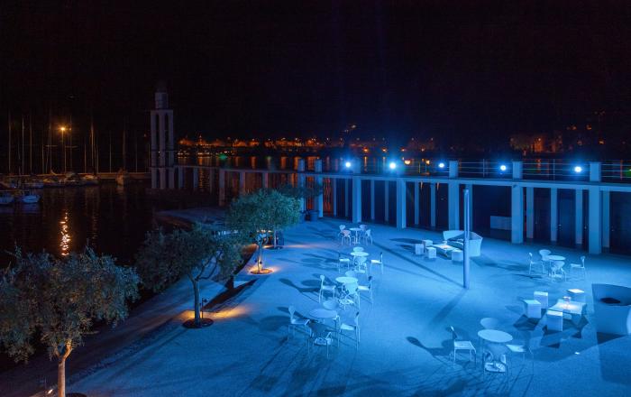 Spiaggia Olivi anfiteatro notturna
